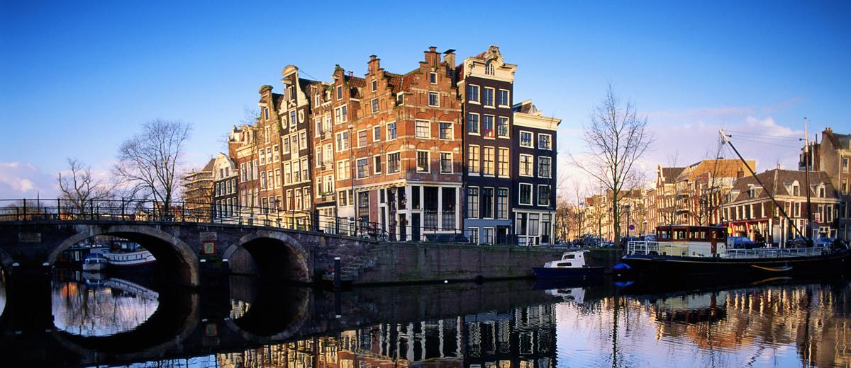 SUP Route Amsterdamse Grachten (11 km) - Happy Supper