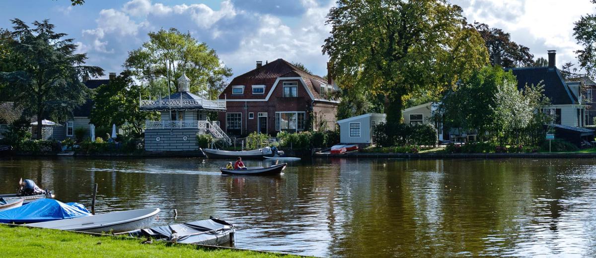 SUP Route Broek in Waterland en Monnickendam (12.8km) - Happy Supper